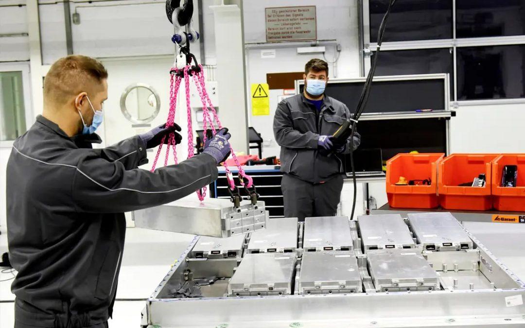 Volkswagen puede reciclar 3.600 baterías de eléctricos al año