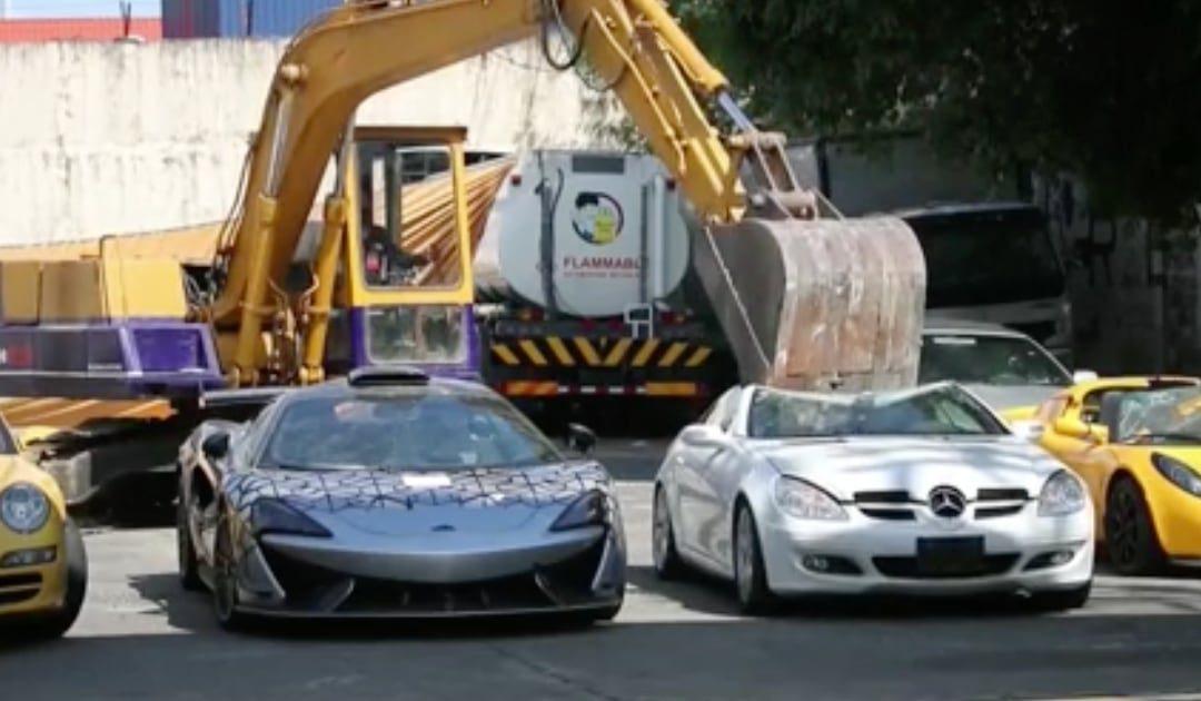 Achatarran un millón de euros en deportivos para luchar contra el contrabando de coches de alta gama