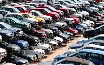 Los desguaces de Madrid reciben cada vez coches más viejos